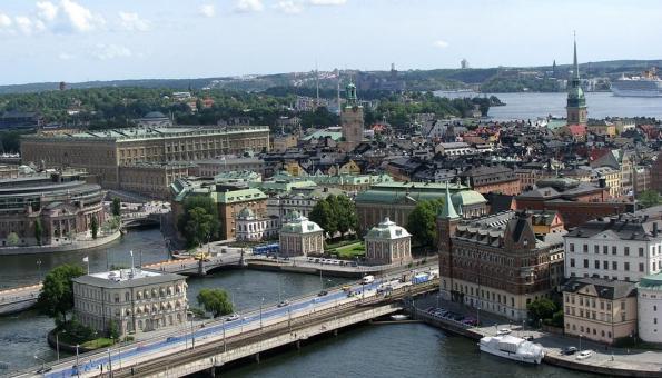 Blick auf Gamla Stan, die Altstadt Stockholms mit Schloss, Dom und Reichstag